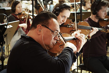Dimitrie Leivici leading Synchron Stage Orchestra's string section for Pacific Rim 2: Uprising.